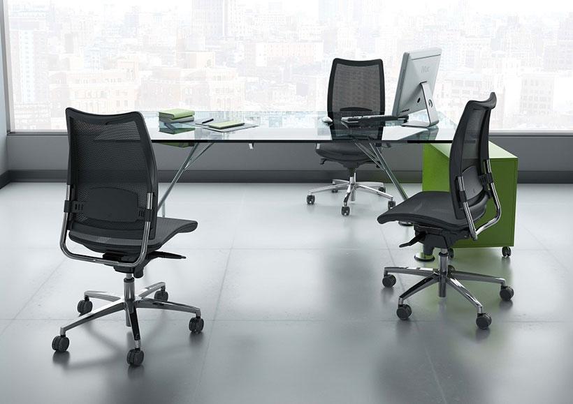 Sedie e poltrone operative per l 39 ufficio for Sedie e poltrone per ufficio